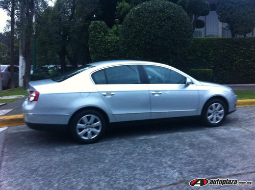 Volkswagen Passat 2010 4p Sedan 2.0l Turbo Q/c