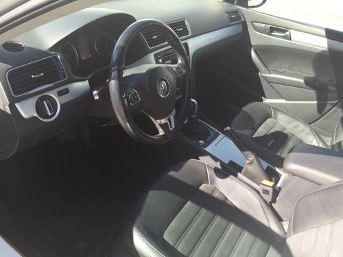 Volkswagen Passat 4p Sedan Sportline Tiptronic 2012