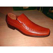 Zapato De Piel De Becerro En Color Miel