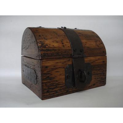 Ba l r stico alhajero madera de pino apolillada - Fotos de baules ...