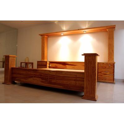 Recamara king size 100 madera pino pilares luz buen for Medidas de recamaras king size