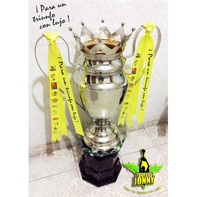 Trofeo copa tipo orejona fabrica de trofeos jonny for Fabrica de copas