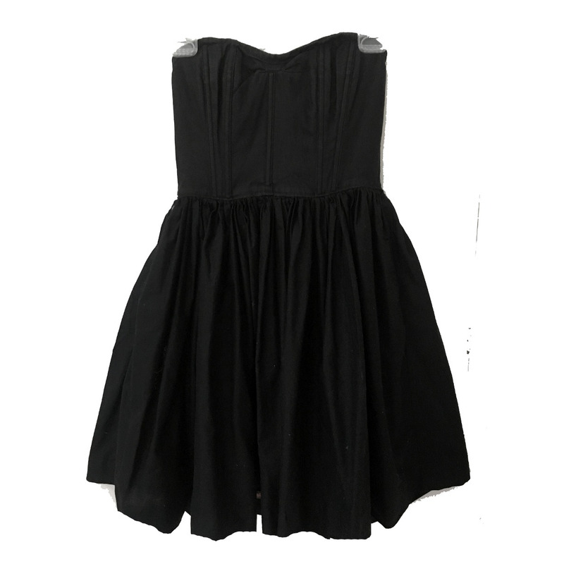 Vestido negro straple