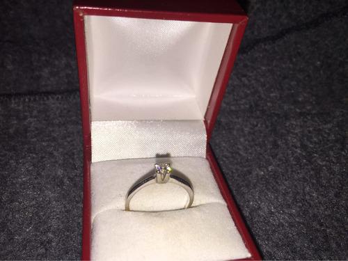 Anillo Compromiso 18 Quilates Oro Blanco Diamante Amoremio